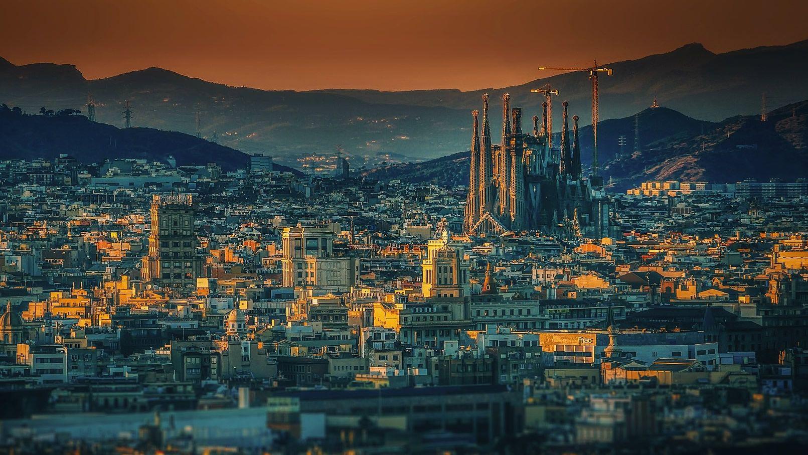 Panorámica de Barcelona, con la Sagrada Familia al fondo