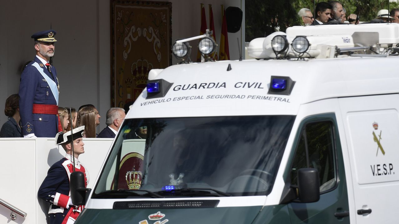 La ministra de Defensa, María Dolores de Cospedal, durante la videoconferencia con las tropas en el exterior