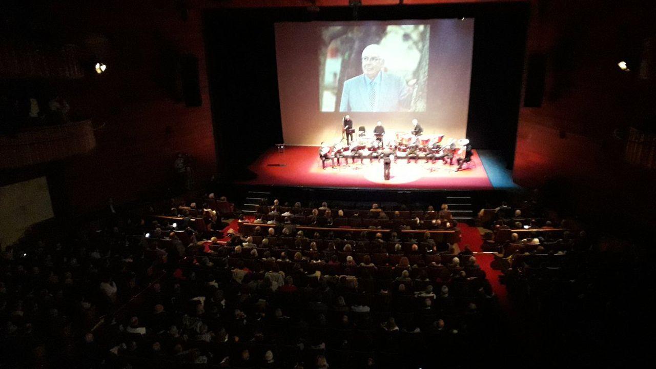 Vista general del homenaje a Tini Areces en el teatro de La Laboral