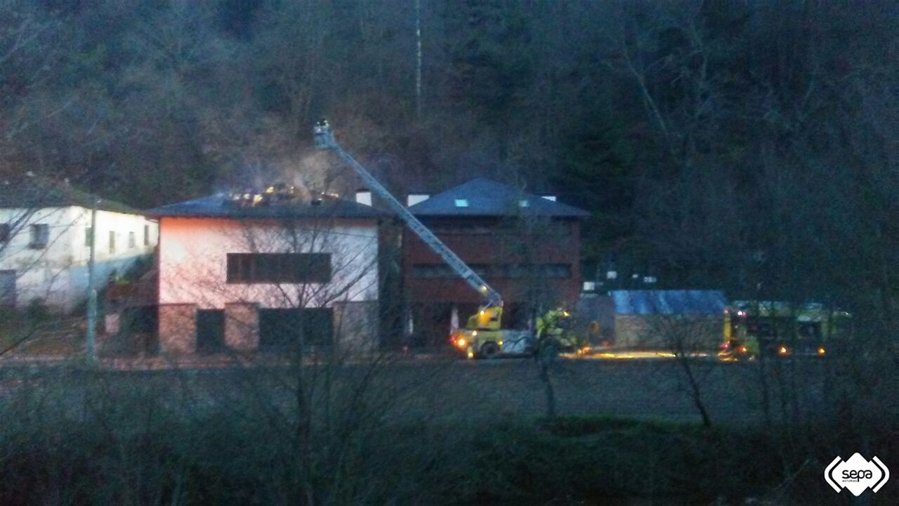 Incendio en un hotel en Cangas del Narcea