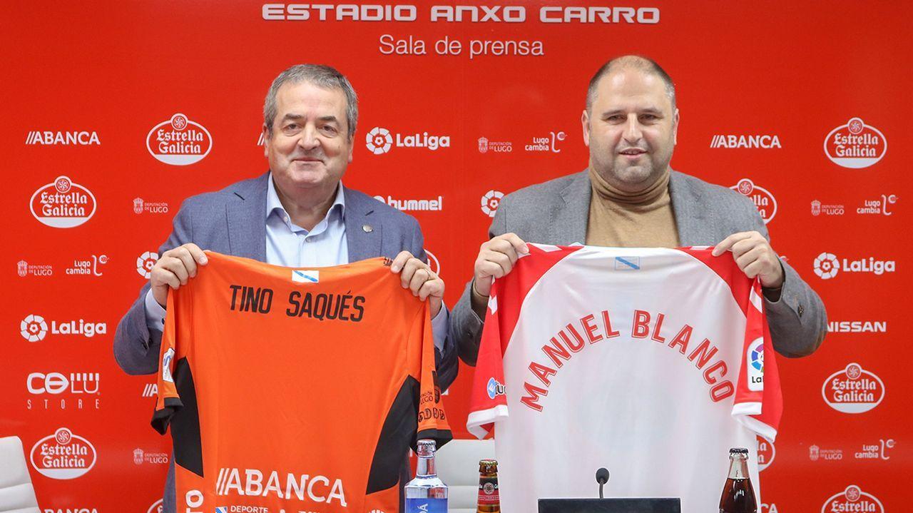 Mossa Sergio Alvarez Real Oviedo Sporting derbi Carlos Tartiere.Los jugadores del Oviedo aplauden a la afición del Tartiere