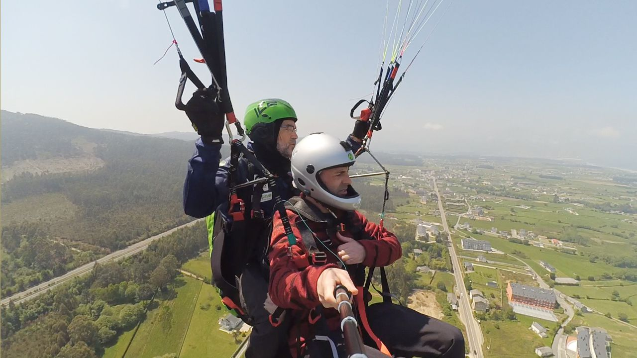 La experiencia de volar por primera vez en parapente.