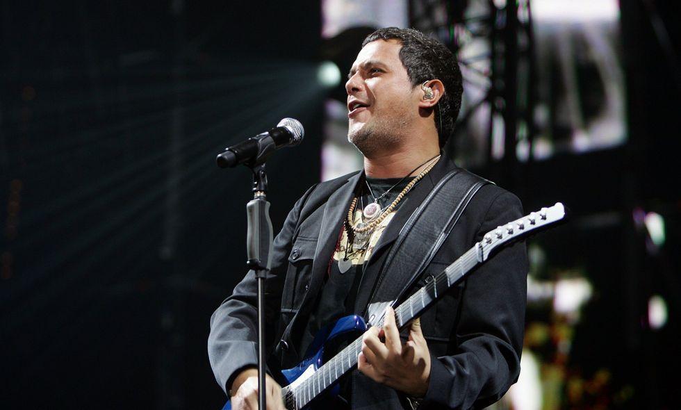 Alejando Sanz en el concierto que dio en el Coliseo en agosto del 2007.