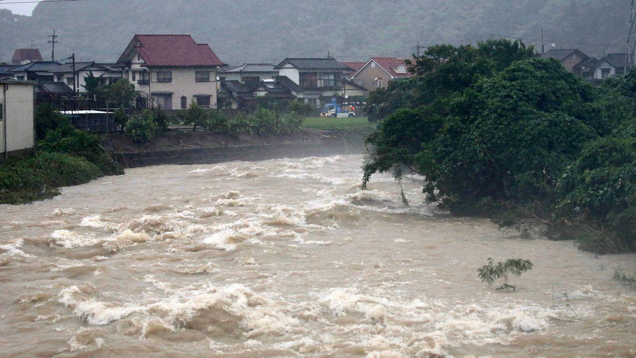 Fuertes lluvias en Japón arrasaron con la vida de 70 personas y 60 conitúan desaparecidas
