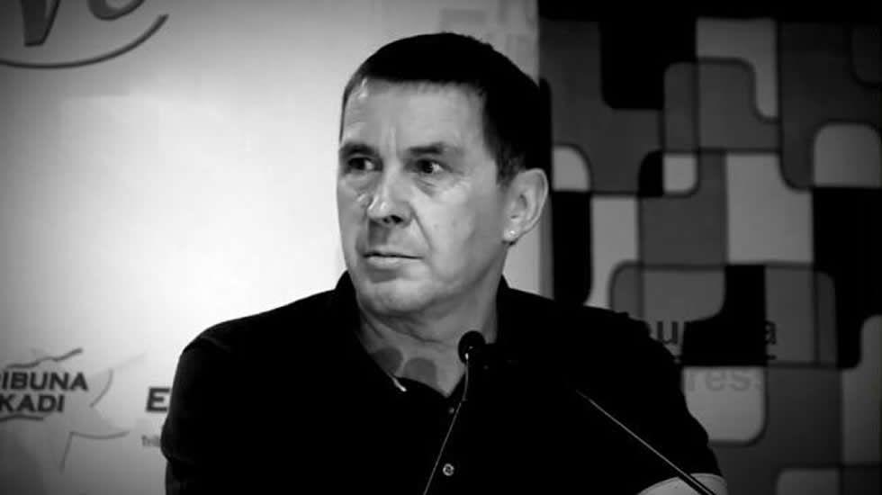 La CUP: «Vamos a votar, aunque encarcelen a Puigdemont y a los 72 diputados»