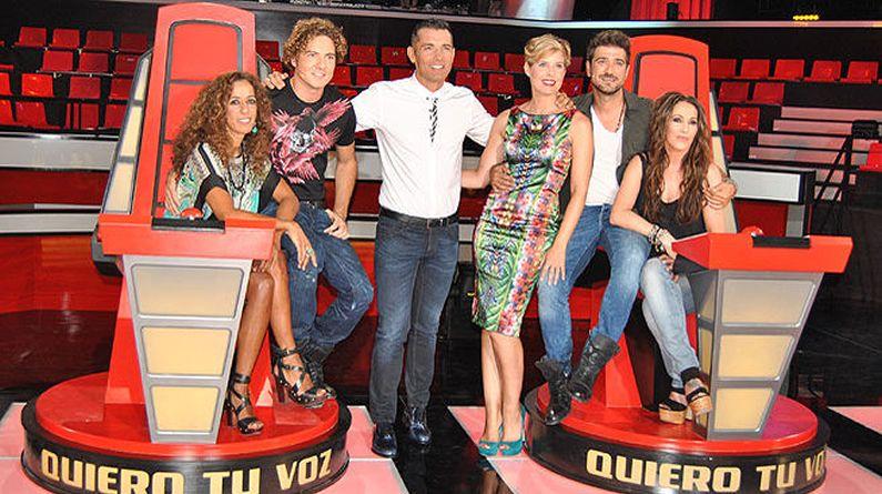 La Voz.Jesús Vázquez, junto a Tania Llasera y los cuatro «coaches» de «La Voz».