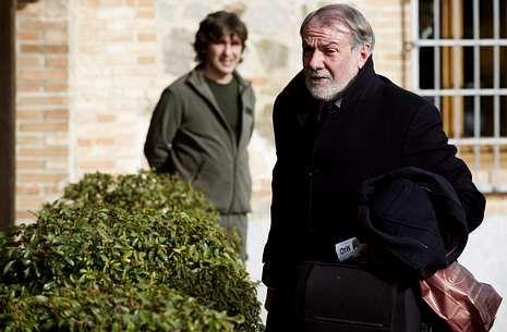 Mayor Oreja, antes de entrar en la reunión del comité director del PP, el pasado día 10 en Toledo.