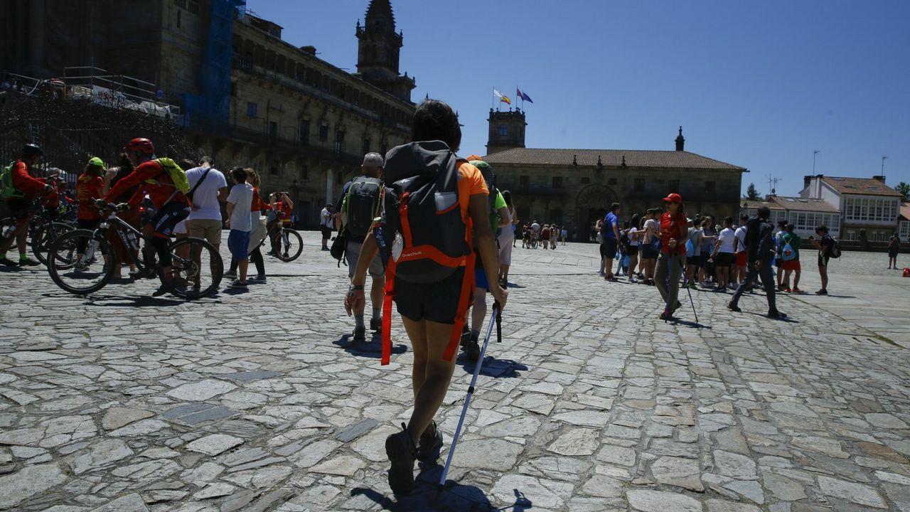 .Imagen de archivo de peregrinos en el Obradoiro
