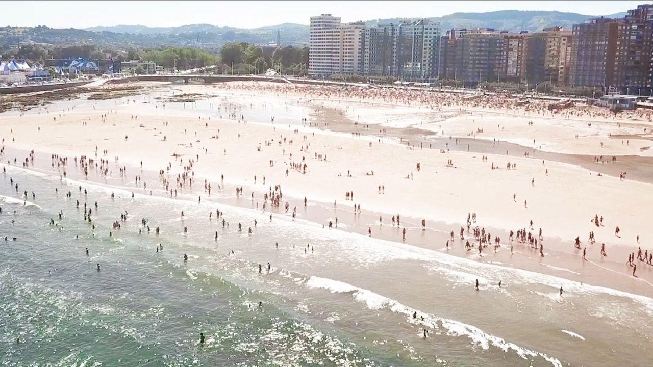 Enfermeras de Familia y Comunitaria reivindican su profesión y la creación de su categoría profesional en Asturias.Gijón vende el mar en su último vídeo turístico