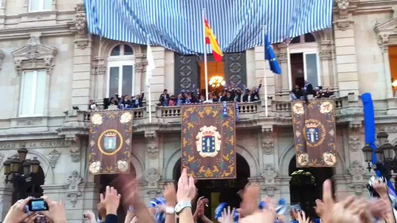 Gran afluencia de público en la feria medieval de A Coruña.Cristina era la cocinera de «El Castro de Lugo».