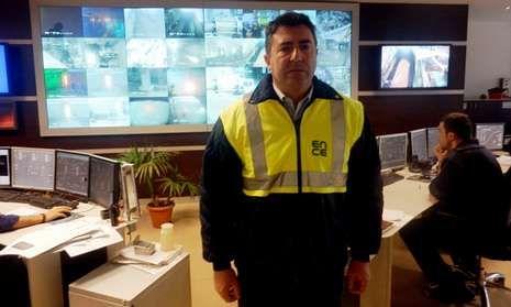 José Antonio Camblor, en el centro de operaciones de la fábrica de Ence-Navia (Ceasa).