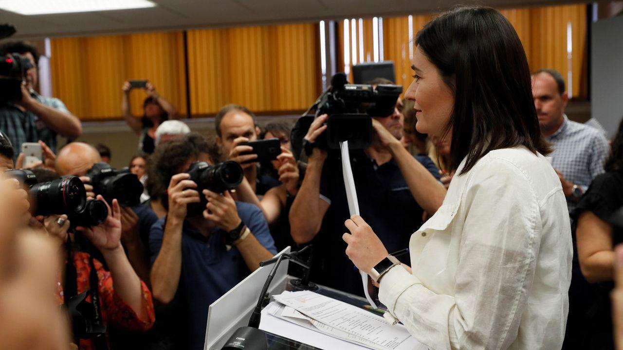 Carmen <span lang= gl >Montón</span>: «No he cometido ninguna irregularidad y considero que dimitir sería injusto»