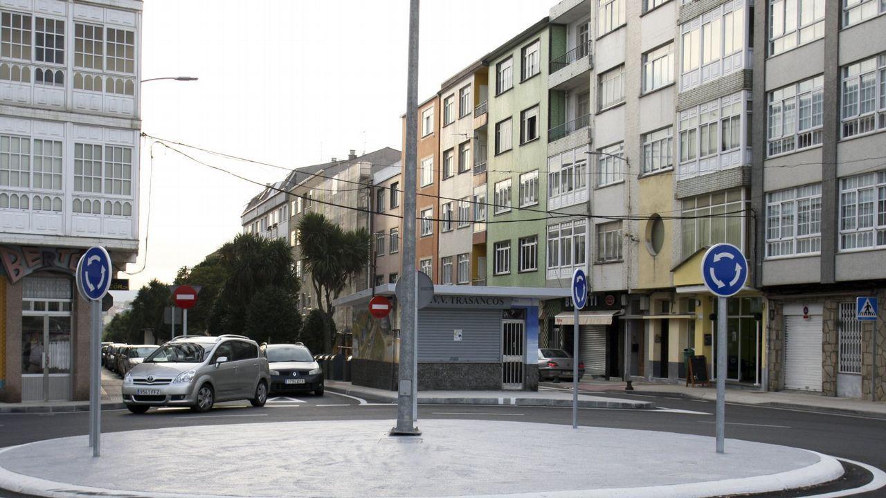 Gonzalo Caballero: «Vexo o PP afundido en España e tocado en Galicia».Un anciano en una calle de Gijón