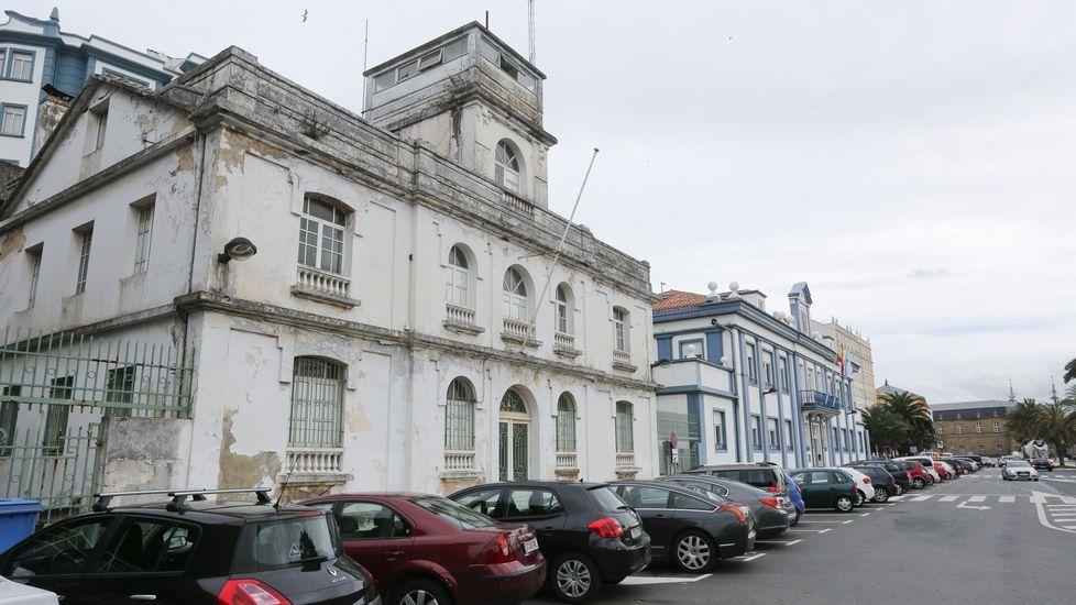 .Vista de la antigua Comandancia y la sede del Puerto