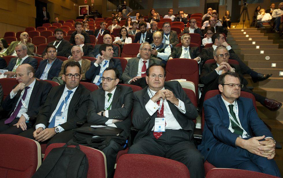 Los máximos responsables de Windar, Navantia junto a directivos de Iberdrola y la Xunta, en el CIS.