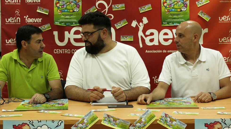 .Presentaron el campamento el edil de Mocidade, Santos Álvarez; el teniente de alcalde, Diego Lourenzo; y el presidente de Aever, José Ángel Rodicio