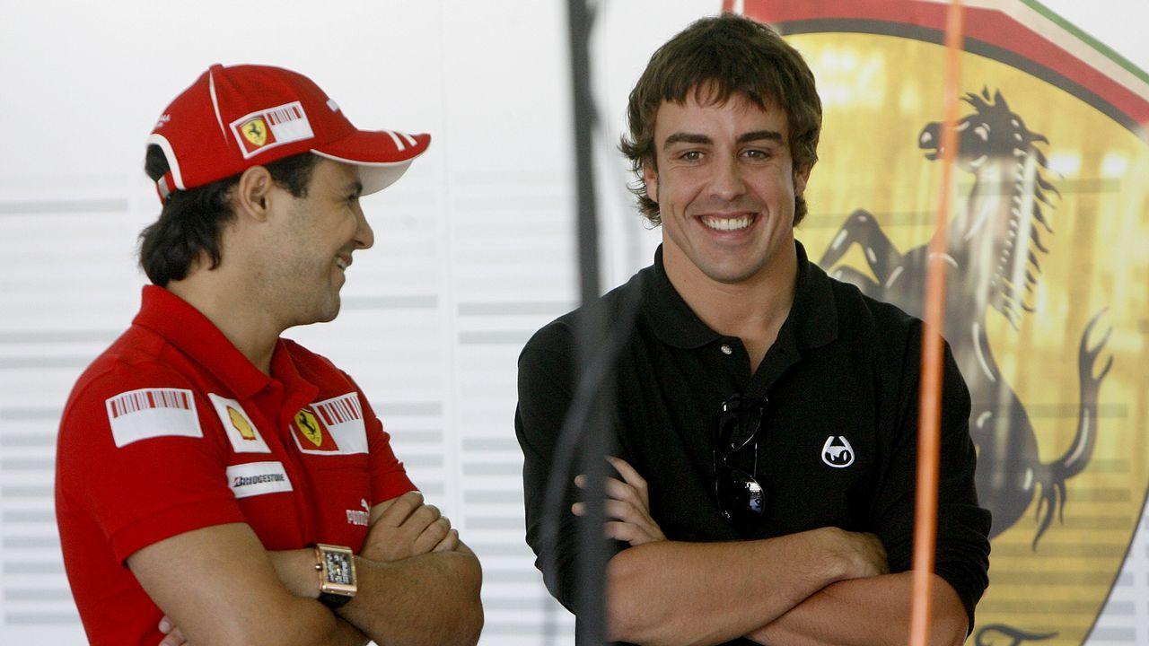 .Charlando con Massa, uno de sus compañeros en Ferrari