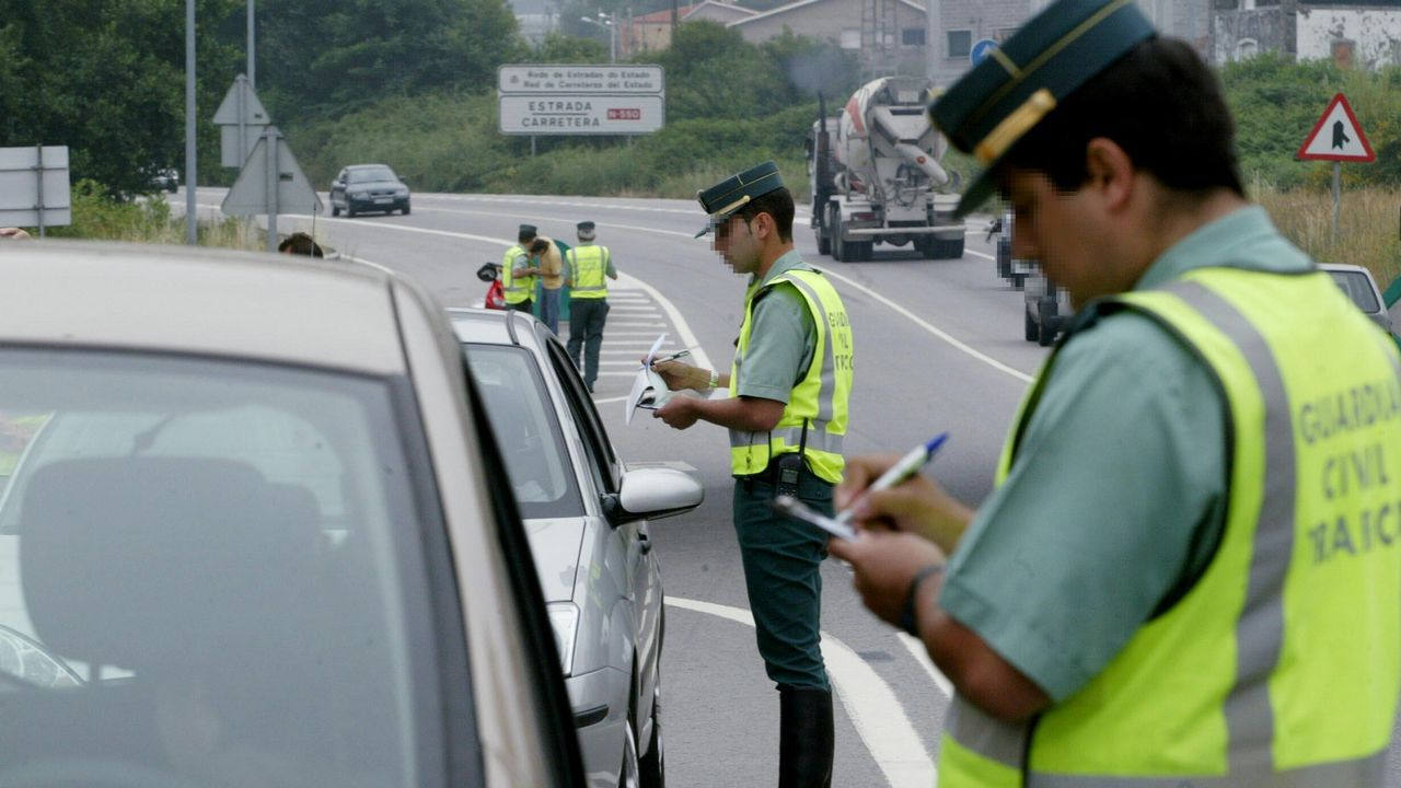 La DGT quiere bajar de 100 a 90 la velocidad en las secundarias.El director general de Tráfico, Pere Navarro