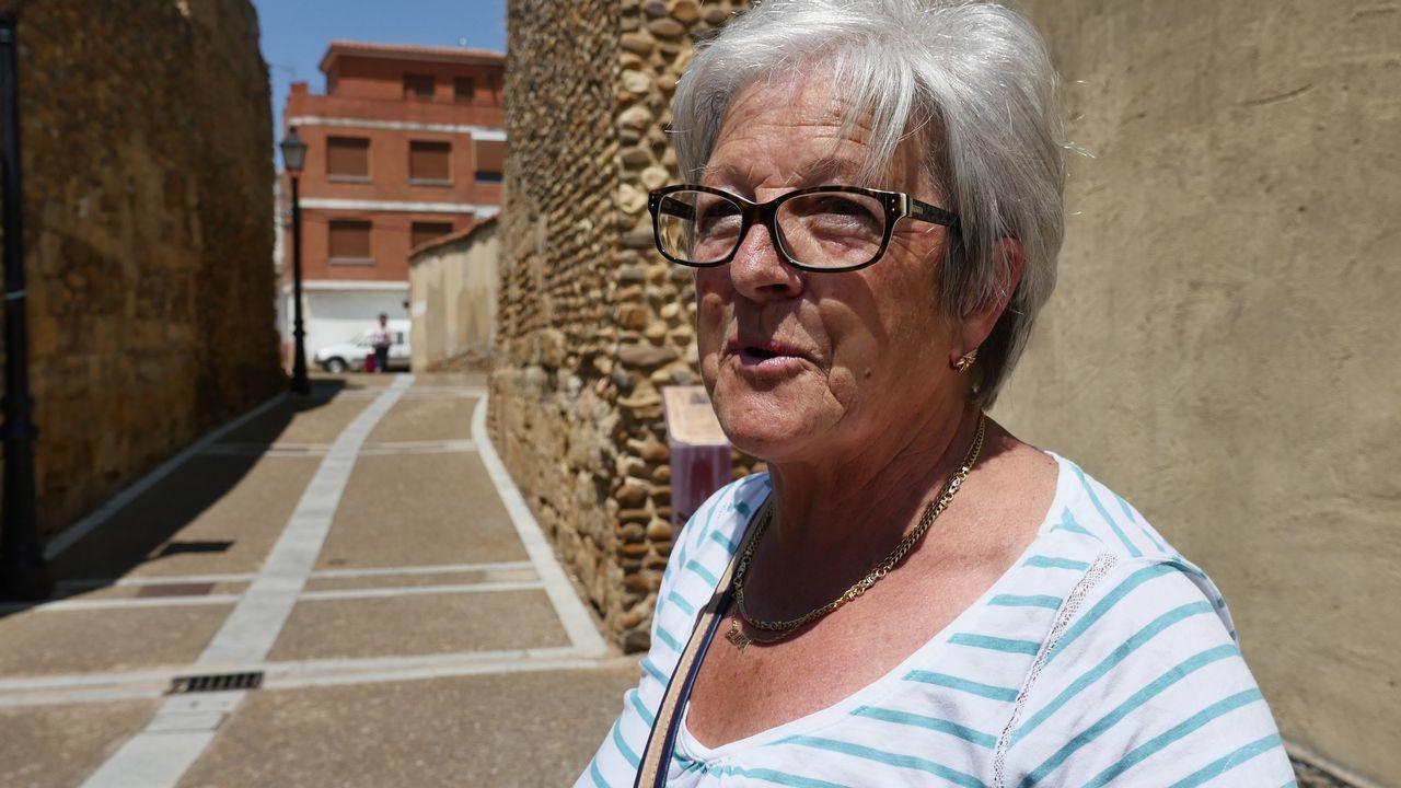 Elvira Charlón nos da la bienvenida a la meta de la etapa 9: Mansilla de las Mulas