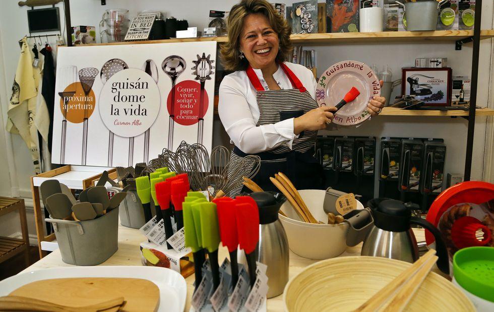 Carmen Albo ultima la apertura de su tienda de artilugios y decoración para la cocina y mesa en el espacio comunitario VM17.