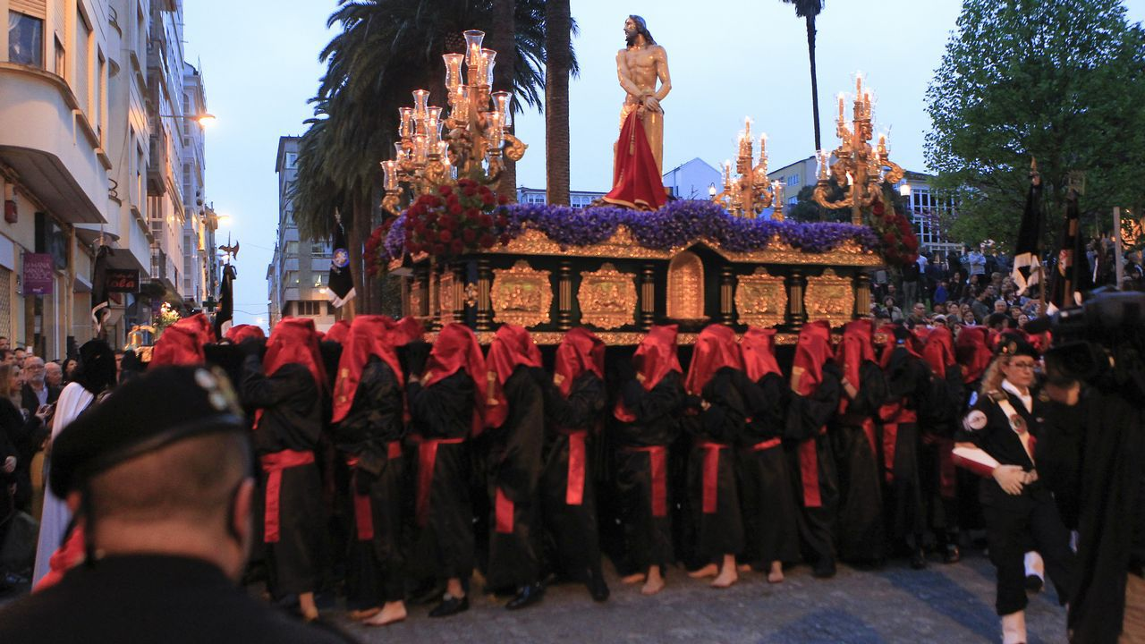 Martes Santo | Procesión de Jesús atado a la Columna y la Santísima Virgen de la Esperanza. Cofradía de Dolores