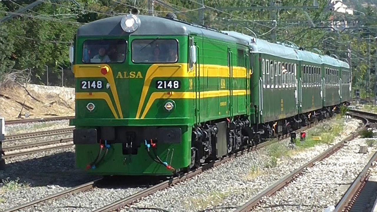 .El tren turístico de Alsa en El Escorial