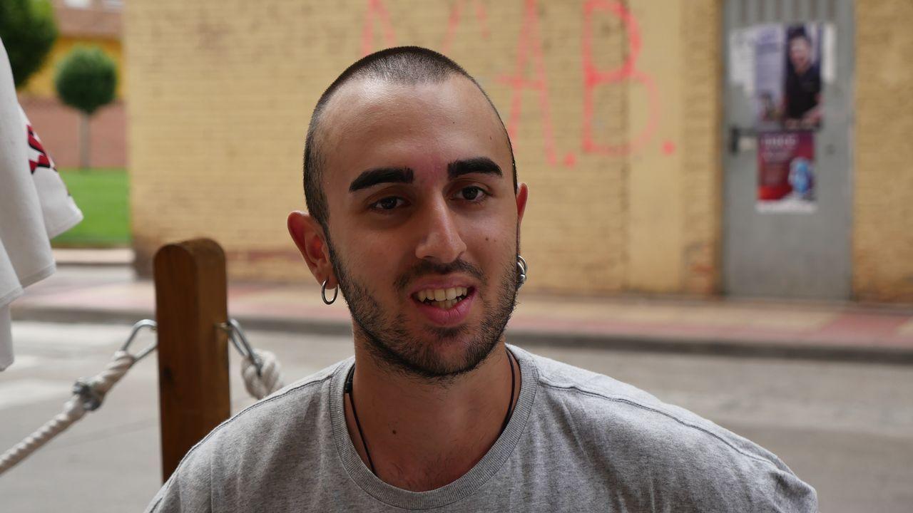 Stevano Amabili es italiano y también va hacia Compostela. Nos lo hemos encontrado en Nájera, parada para los que hacen el Camino andando