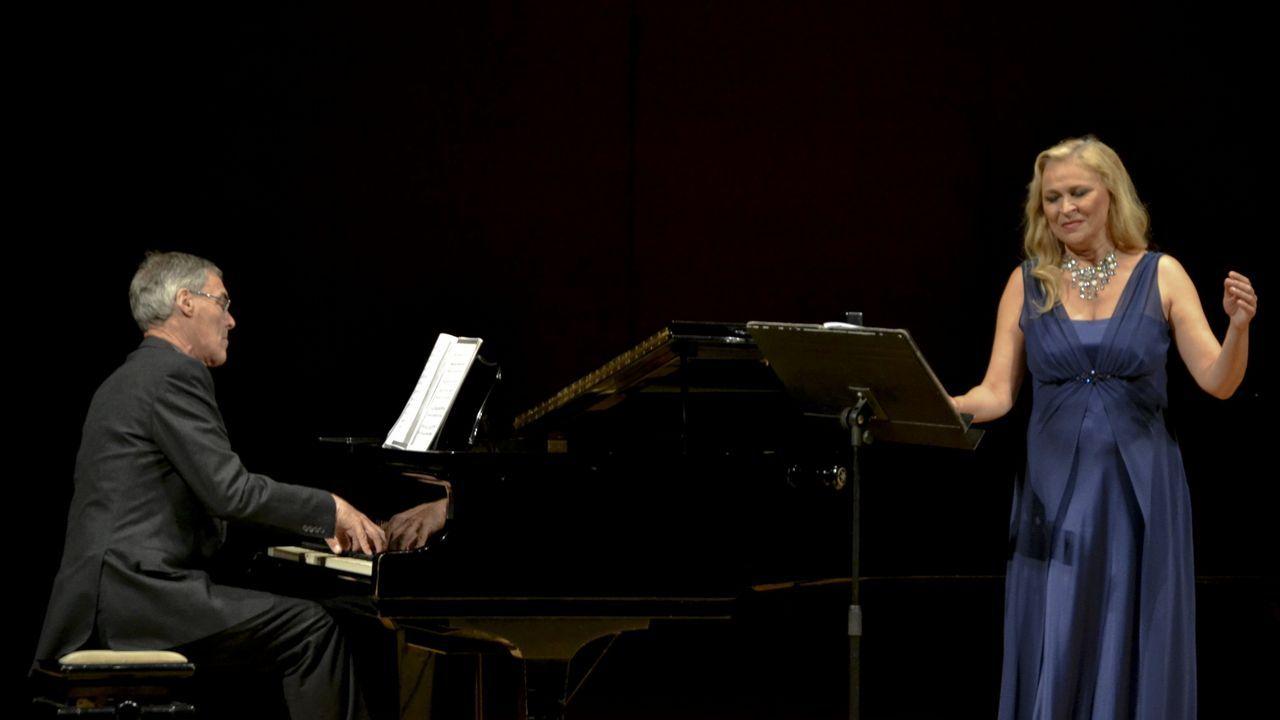 El coro de la Fundación Princesa, de Asturias a Colombia.Ricardo Cabeza, director general de El Gaitero
