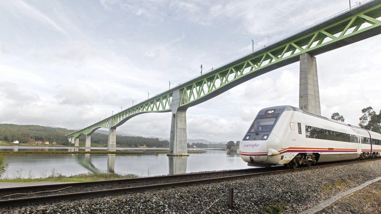 .PUENTE DEL ULLA: 60 METROS. El récord de este viaducto es que es el más largo de Europa con celosía metálica, con 1.620 metros
