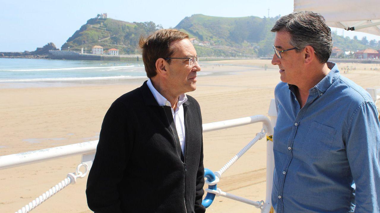 selectividad, pau.Juan Vázquez y Nacho Prendes en la carrera de caballos que se celebra en la Playa de Santa Marina (Ribadesella)
