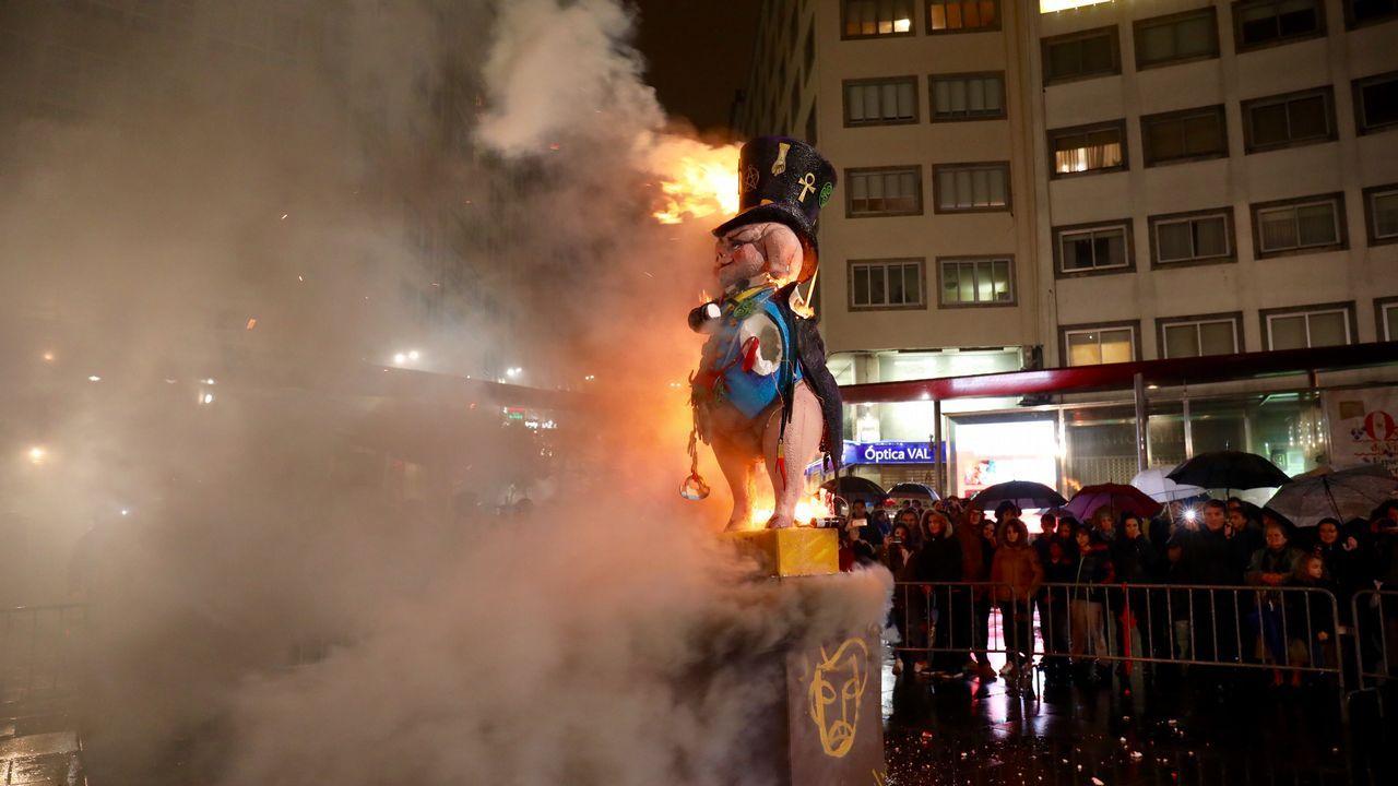 Carnaval - quema del meco.