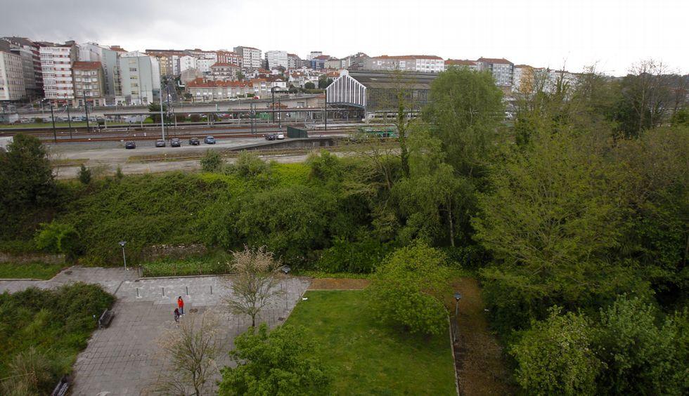 .En primer término, los terrenos donde se ubicará la estación de autobuses de la intermodal.