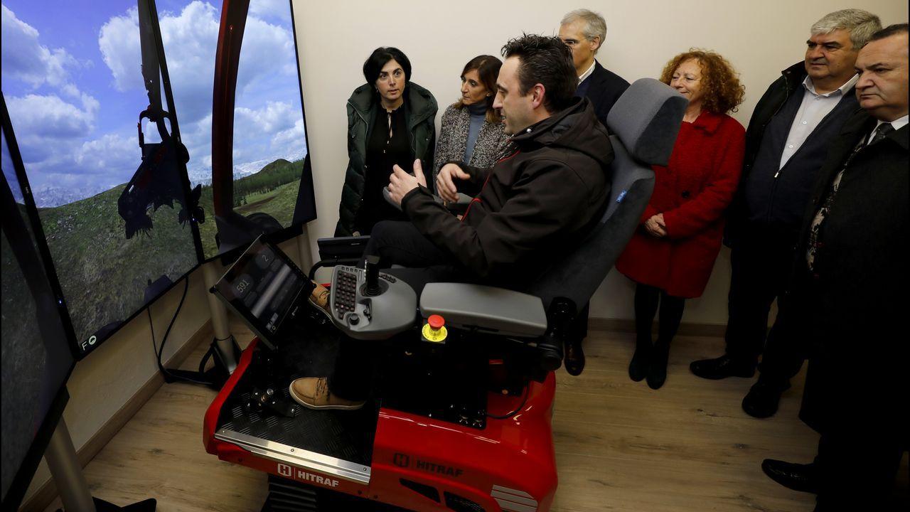 Un simulador forestal para los alumnos del Ies de Mondoñedo.Palimoco Teatro representará «Quen ocupa esta cadeira?»