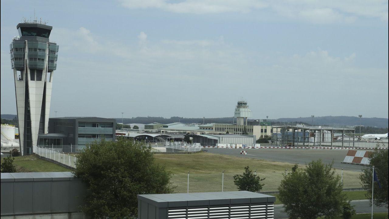 La pista del aeropuerto de Asturias, desde la torre de control
