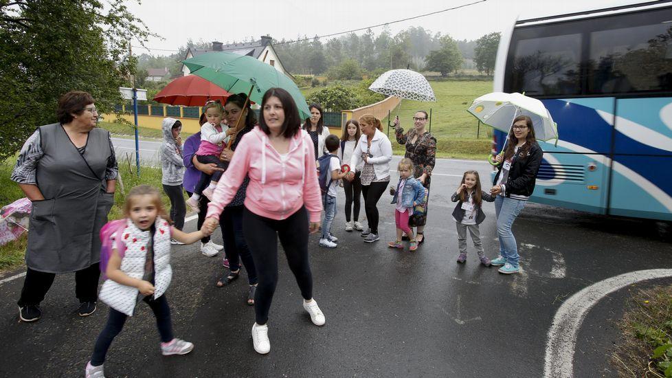 Buena parte del transporte escolar de la comarca está desfasado.