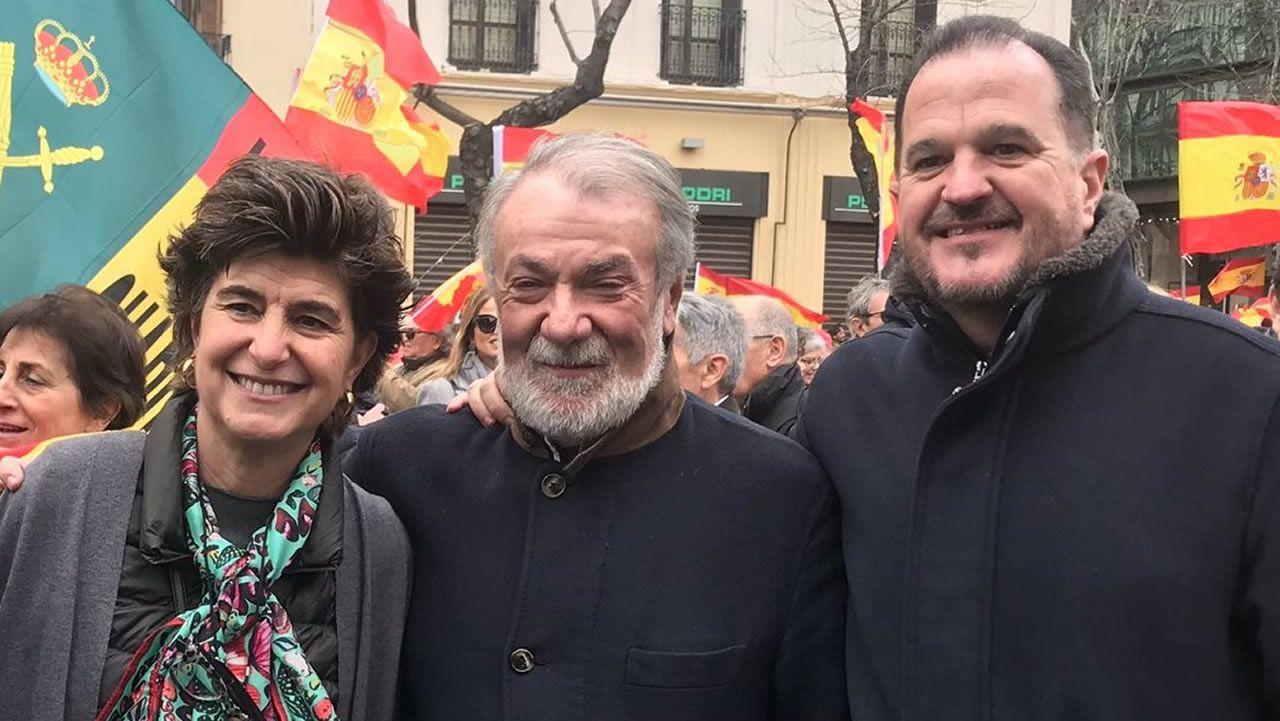 María San Gil, Mayor Oreja y Carlos Iturgaiz, en la manifestación de plaza Colón