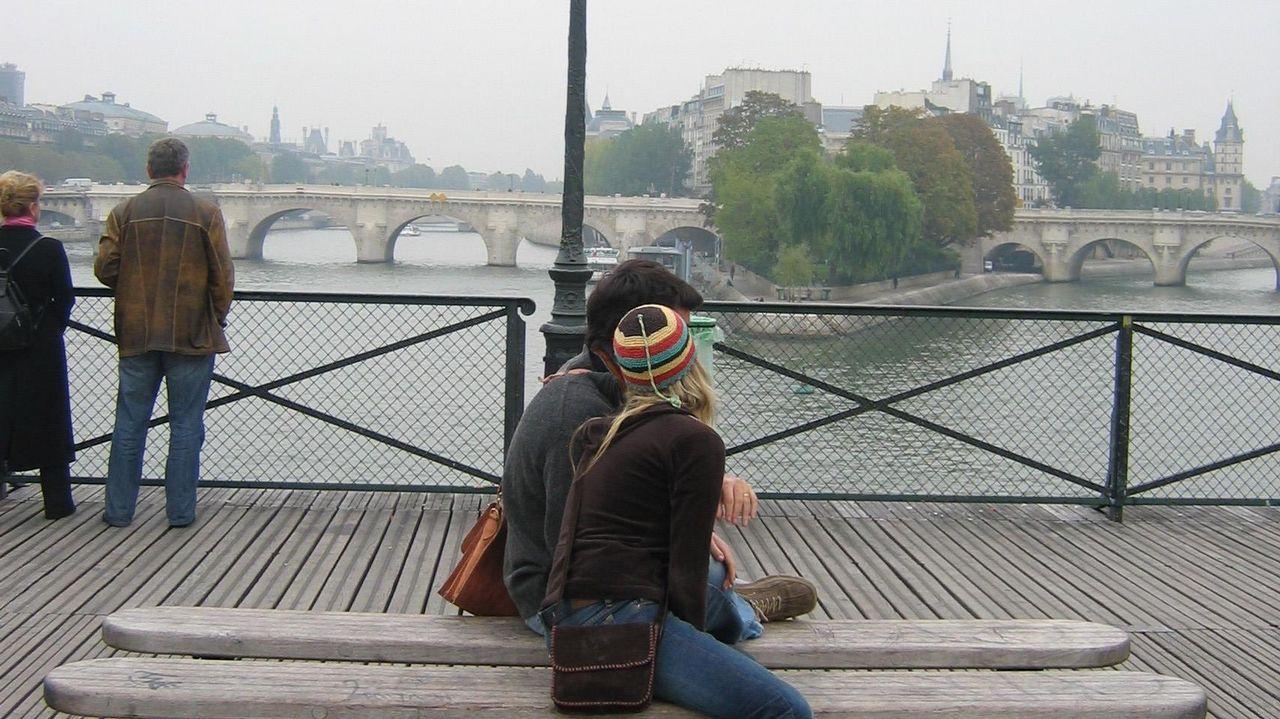 El Bng denuncia la falta de conexiones y frecuencias ferroviarias de Lugo.Piso de París donde vivia la mujer de 85 años