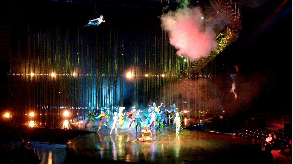 .Un momento de «Varekai» del Cirque du Soleil en el Palacio de los Deportes de Gijón