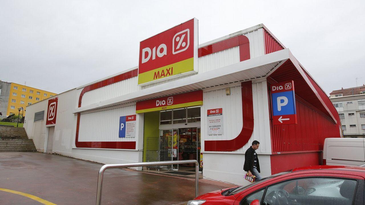 Supermerado Maxi Día en Perillo, Oleiros