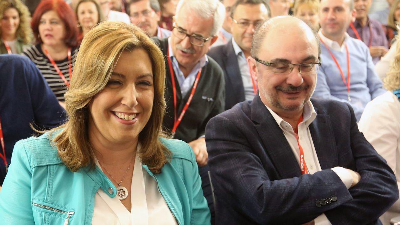 Pedro Sánchez recibe a Susana Díaz en la Moncloa.Mario Suárez del Fueyo, en los soportales de la plaza Mayor.