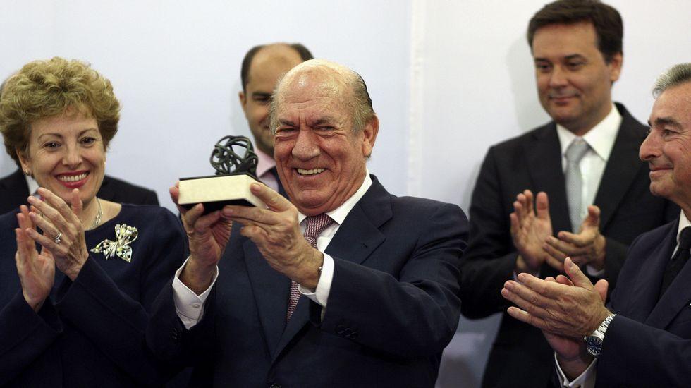 .Antonio Suárez recibe el premio