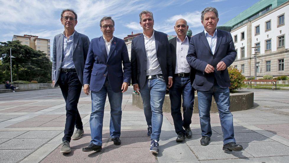 Así fue el debate definitivo de los candidatos a la alcaldía de A Coruña.Detalle de una página de La Voz en la que se recogen las valoraciones de los protagonistas políticos sobre los resultados electorales de las municipales de 1983