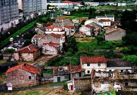 El antiguo pueblo de Vioño desapareció hace casi quince años para dejar paso a una urbanización.