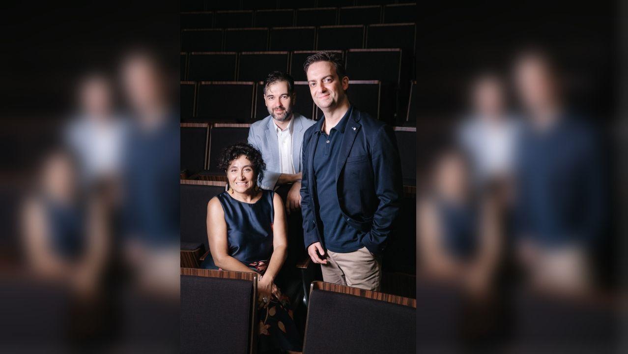 La soprano Blanca Gómez, junto al pianista Héctor Guerrero (centro) y el tenor Miguel Bernal