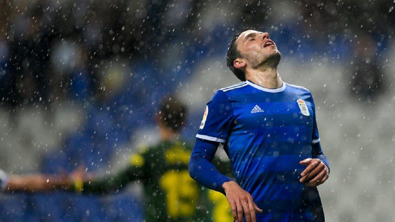 Gol Carlos Hernandez Real Oviedo Cadiz Carlos Tartiere.Ramón Folch en el Real Oviedo-UD Las Palmas