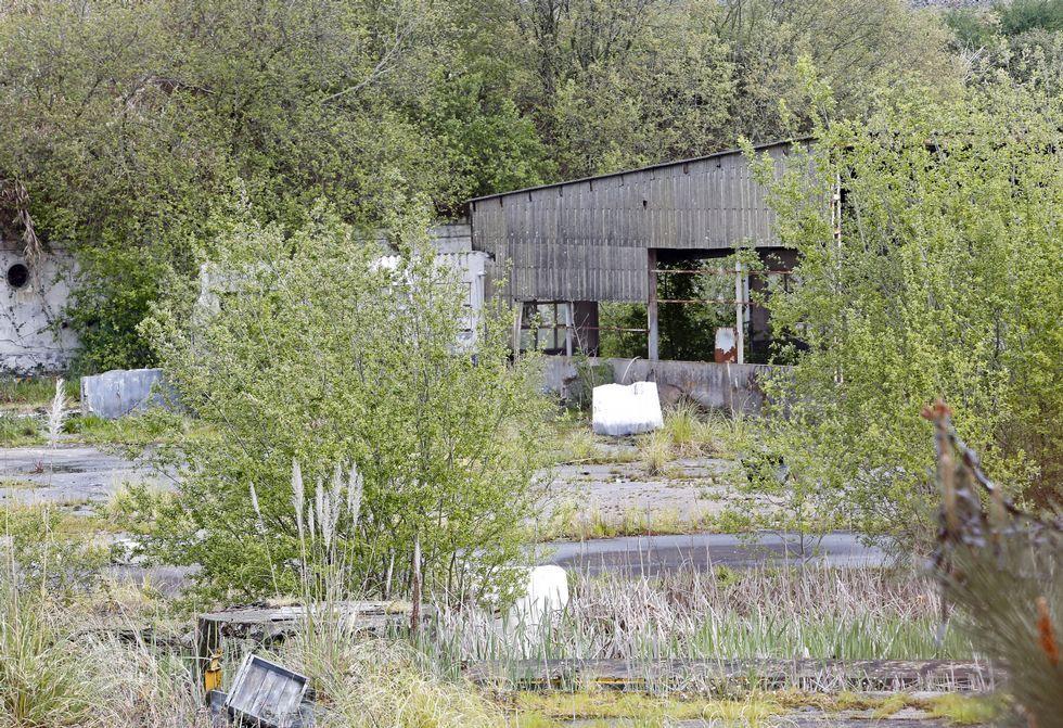 El Concello y Costas proyectan la recuperación del uso público de la parcela, hoy abandonada.