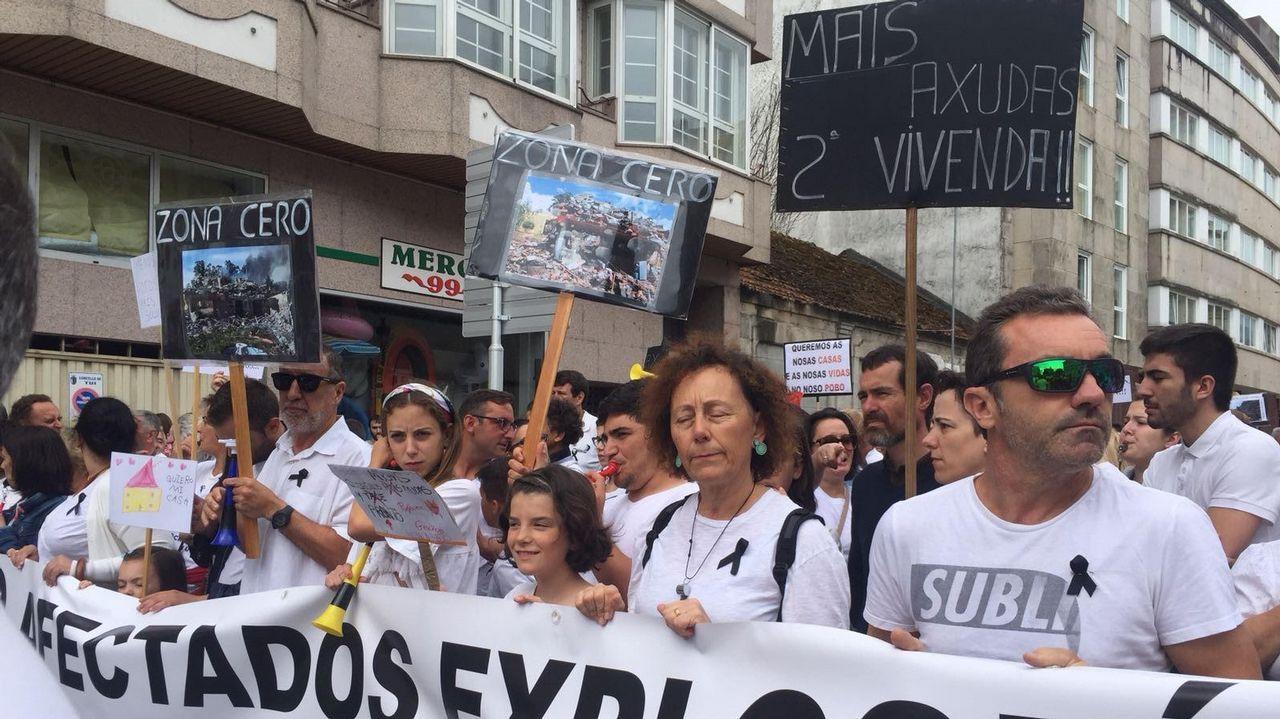 Manifestación de vecinos de Paramos en Tui.