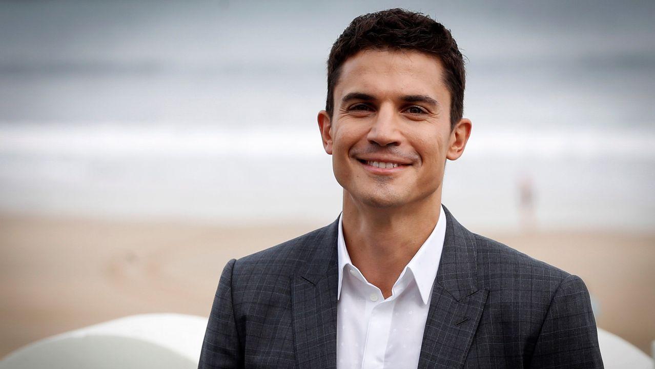 El actor Alex González