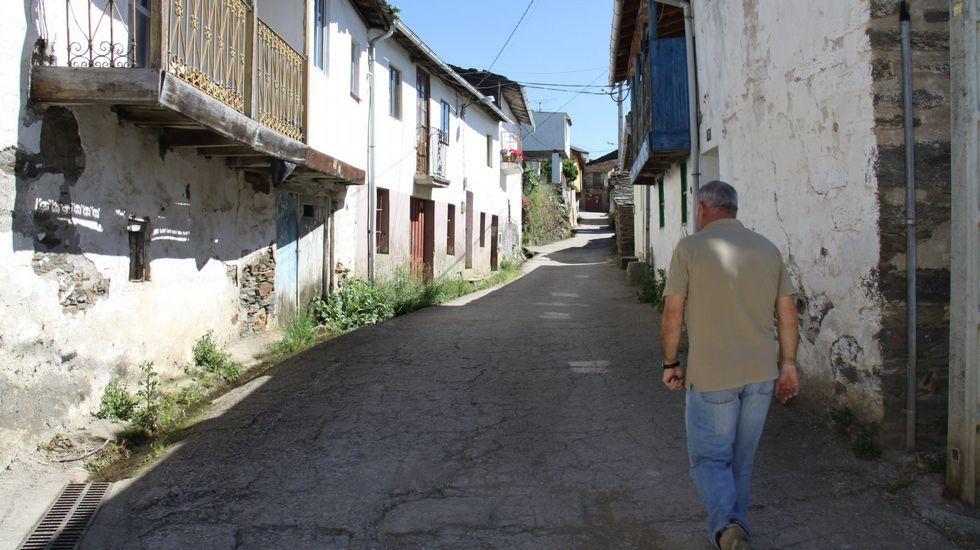 Infeliz Navidad en Alcoa.Mones es uno de los pueblos que verá mejorado el alumbrado público