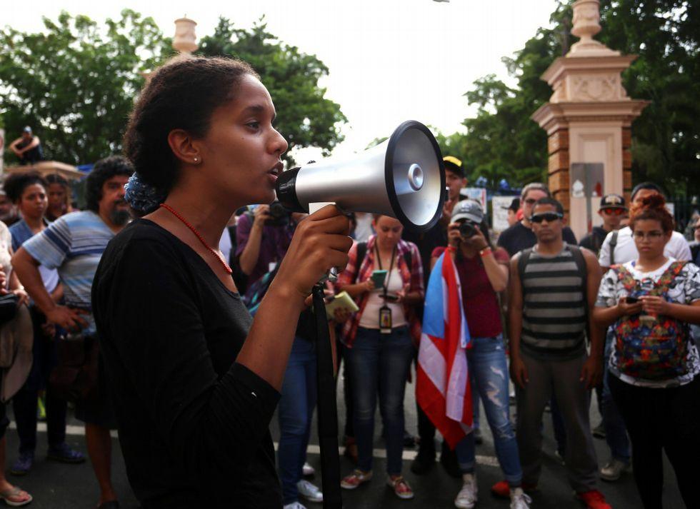 Los profesores luchan por que el gobierno descongele su carrera